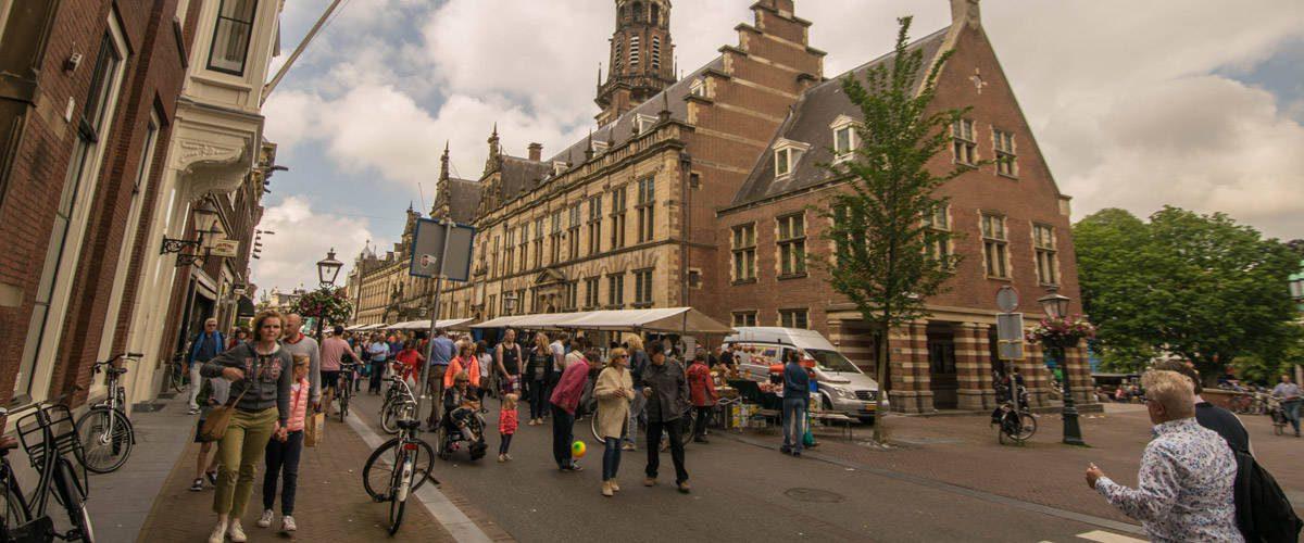 Enkele van de mooie gebouwen in Leiden.
