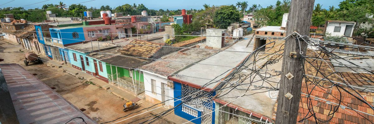 Het uitzicht vanuit mijn casa particular in Trinidad.